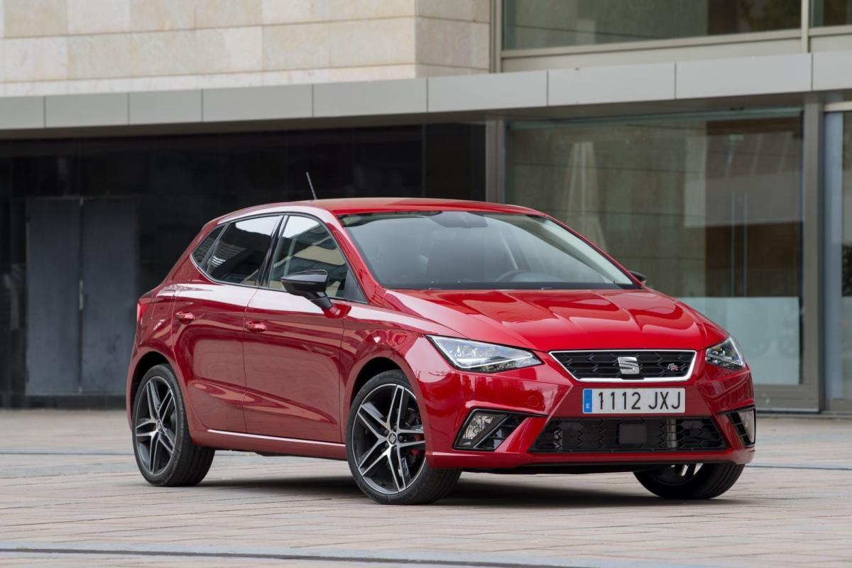 SEAT Ibiza color rojo